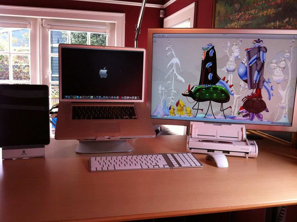 white aeron chair ergonomic for sciatica 04> rob's minimal office- desk close-up #1 | my offi… flickr