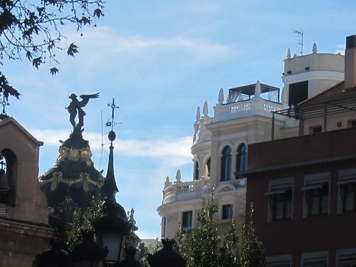 Edificio Metrópolis desde Plaza del Rey, Chueca. Madrid