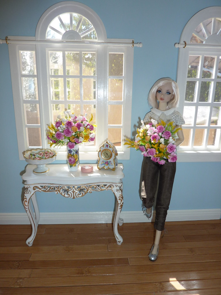 16 dollhouse room box  16 florals made by me Bespaq