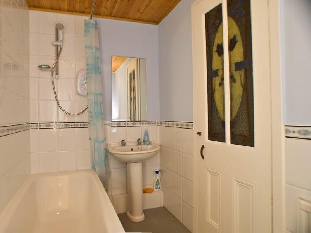 Bathroom  Traditional Tenement Flat In Glasgow, Scotland