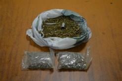Ebrio conductor fue sorprendido con varias dosis de marihuana