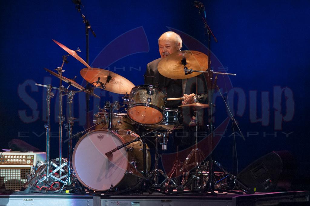 Legendary drummer Harold Jones  Tony Bennett with