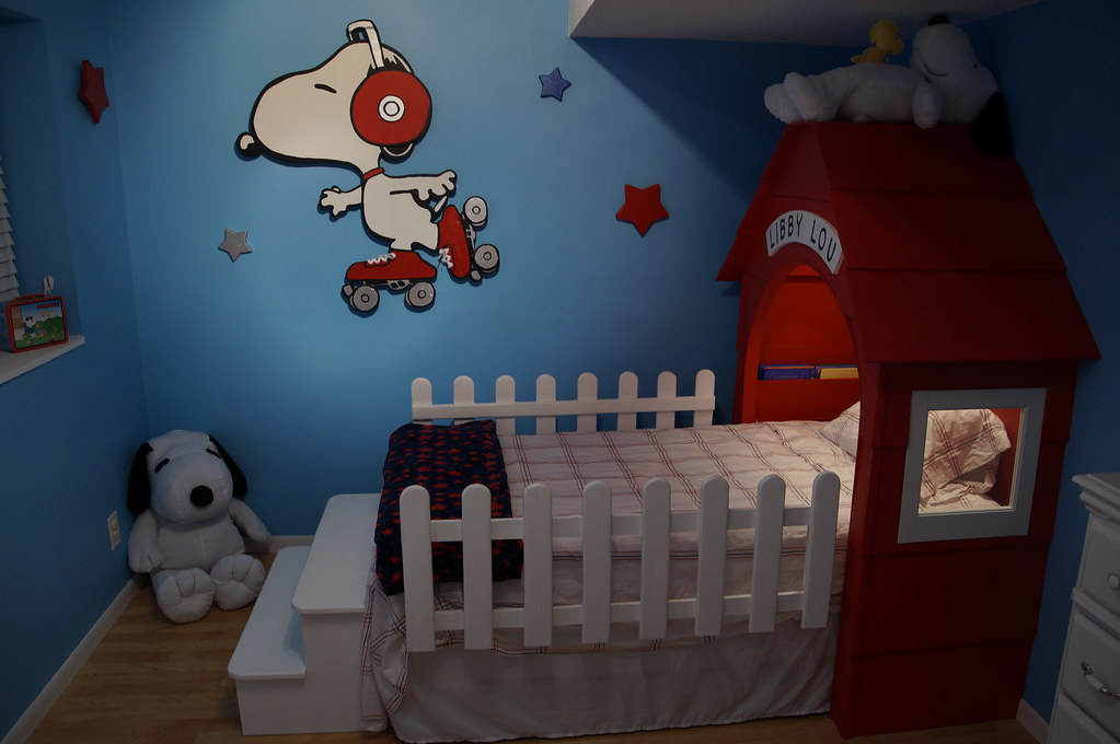 DSC00431  Creating a custom kids bedroom with a Snoopy