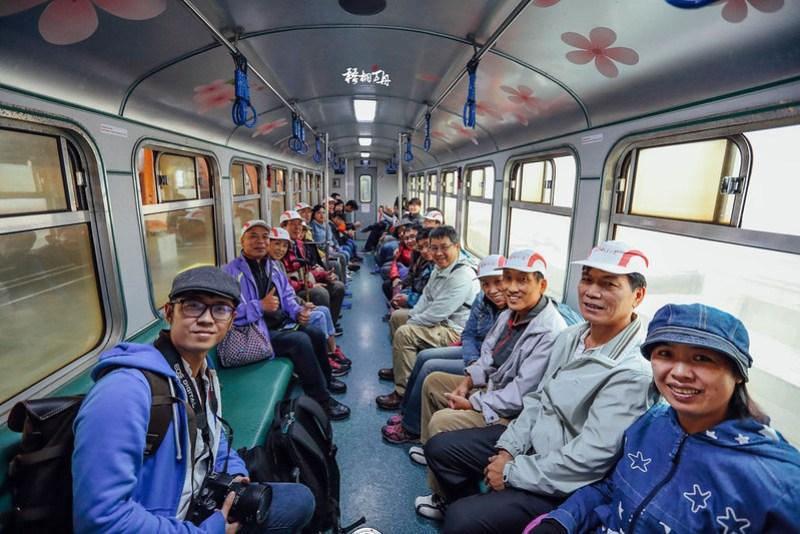 4|沼平線小火車內與乘客們的大合影