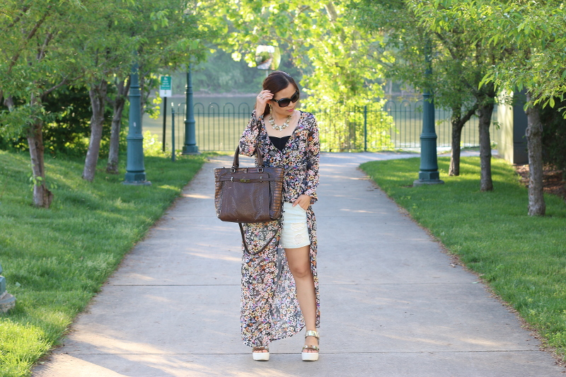 Floral-Dress-shorts-summer-outfit-3