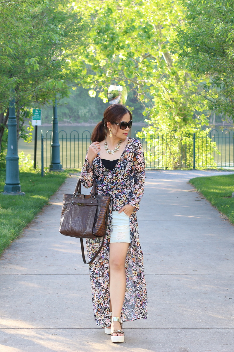 Floral-Dress-shorts-summer-outfit-2