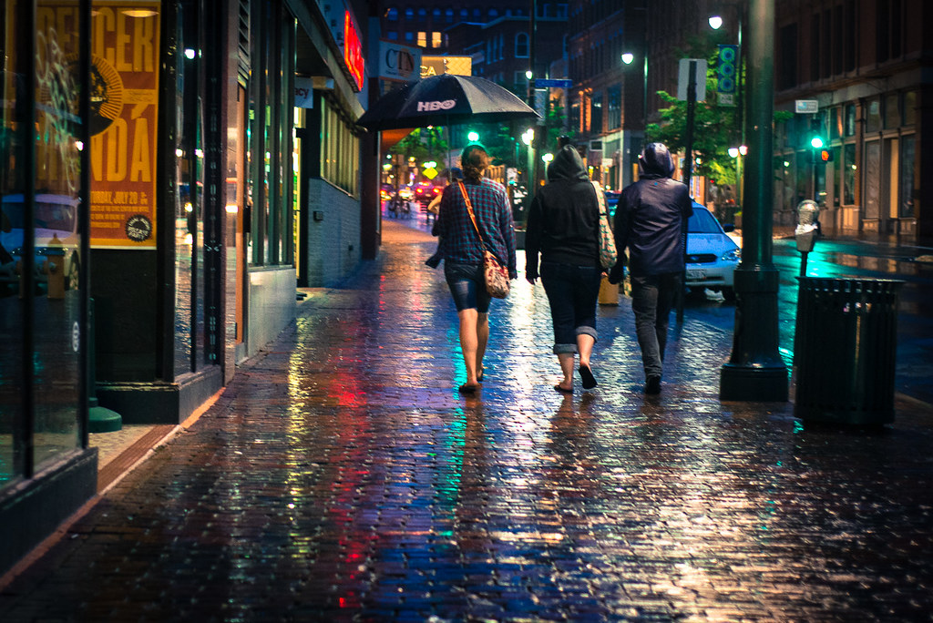 Dark Cozy Girl City Wallpaper Rain On Brick One Of The Little Things I Appreciate Is