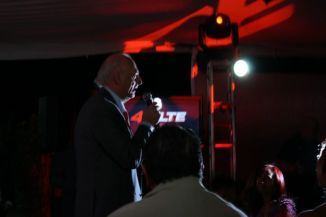 SR. Oswaldo Cisneros Fajardo en el lanzamiento de la primer red LTE de Venezuela: Digitel.