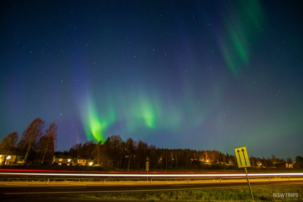 Aurora on E4 Highway - Sweden.jpg