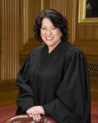 La magistrada Sonia Sotomayor, es la primera latina en ser miembro de la corte suprema.