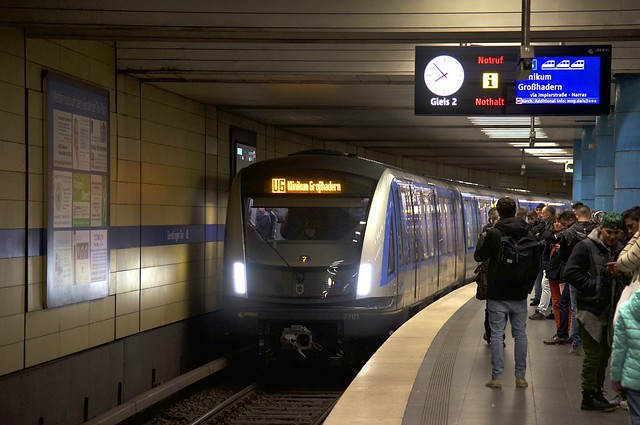 C2-Zug 701 am Sendlinger Tor (Bild: Frederik Buchleitner)