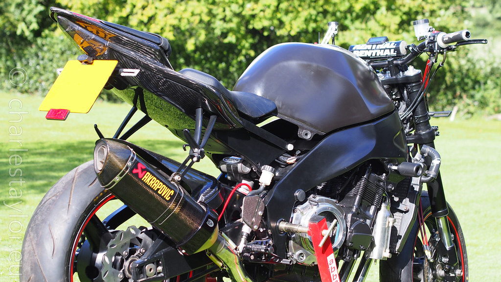 RF900 StreetFighter tail swap conversion to Yamaha r6 tail