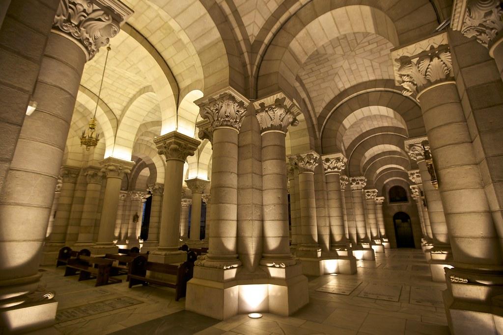 Parroquia de Santa Mara la Real de la Almudena Cripta