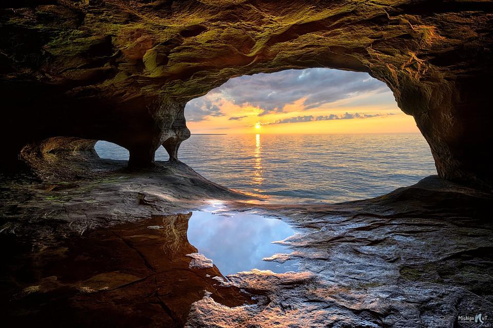 Manly Fall Wallpaper Lake Superior Fresh Water Cave Sunset Beautiful Sunset