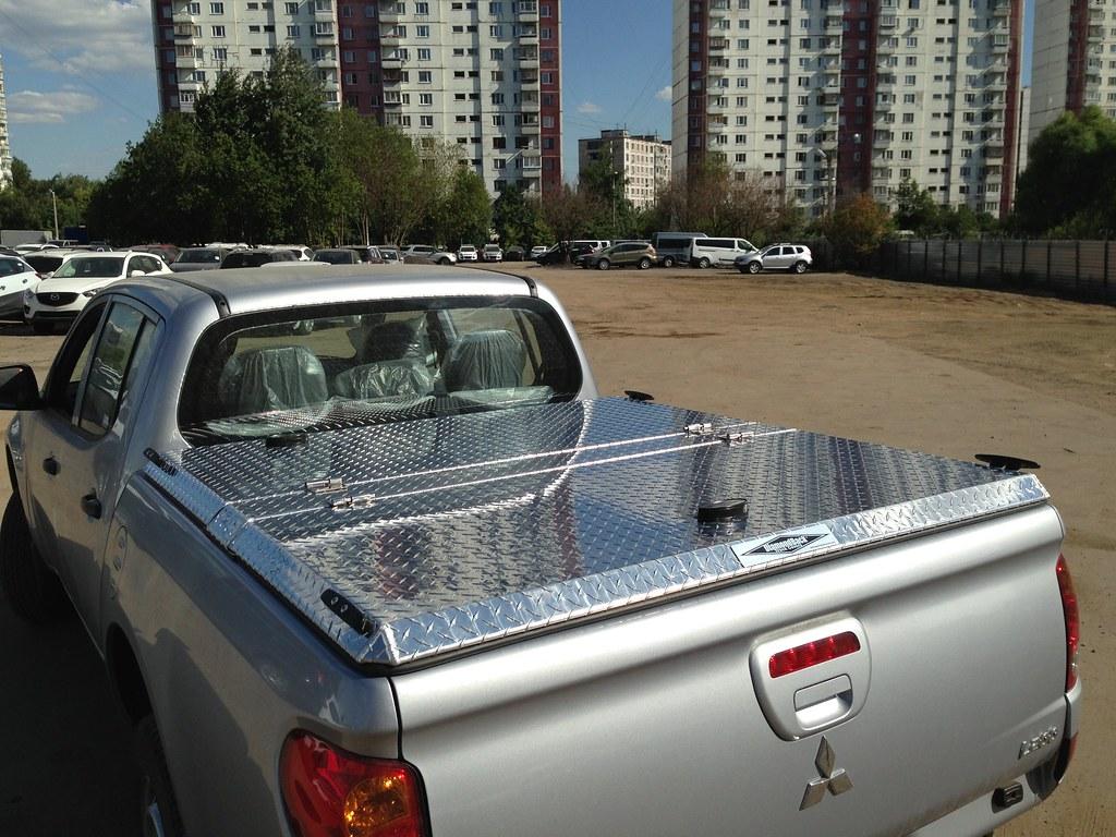 Diamond Plate Aluminum Truck Bed Cover On Mitsubishi L200