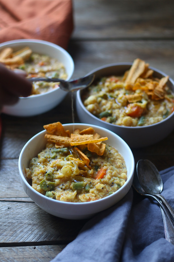 BISI BELE BAATH(Spicy Vegetable Khichdi) |foodfashionparty|