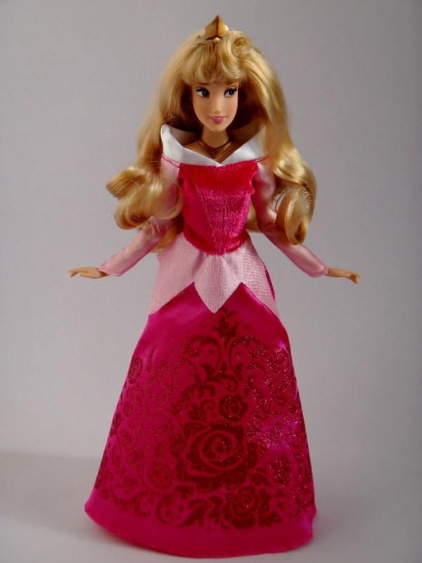 2014 Aurora Classic 123939 Doll US Disney Store Purchase
