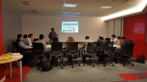 Jornada de trabajo en el Centro de Innovación Tecnológica Latinoamérica de Oracle en Buenos Aires, Argentina.