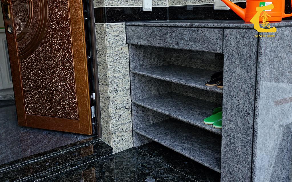 藍珊瑚 | #玄關 #鞋櫃 #地板 石材: 鞋櫃: 藍珊瑚 #花崗石 玄關: 烏克蘭藍鑽 #花崗石 室內地板: 藍彩玉 … | Flickr