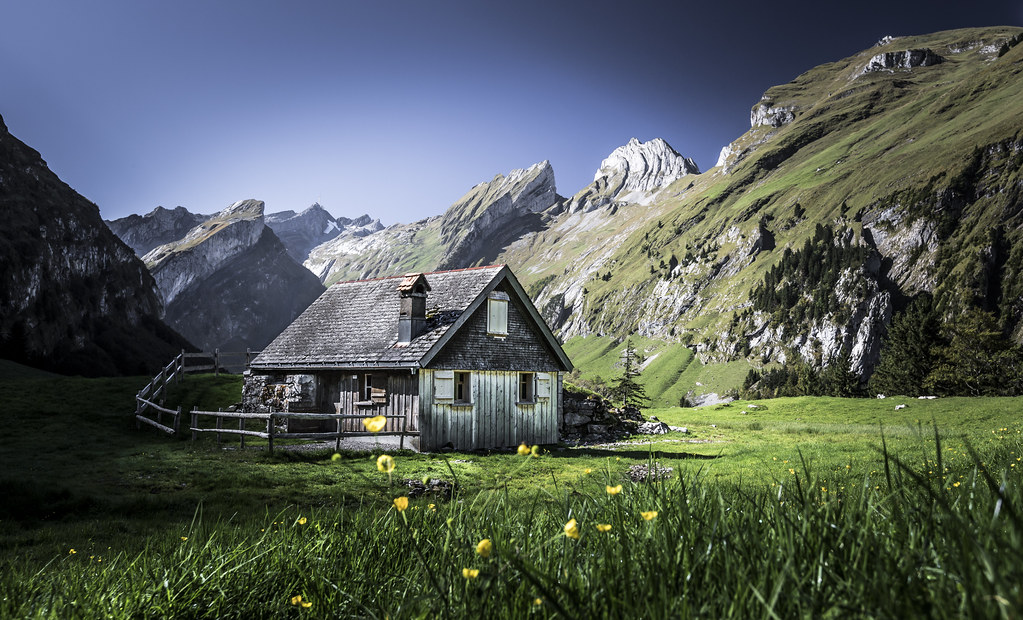 Swiss Alpine Cabin  500px and Twitter