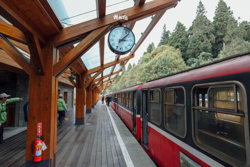6|沼平車站內有著古色古香的極簡風格
