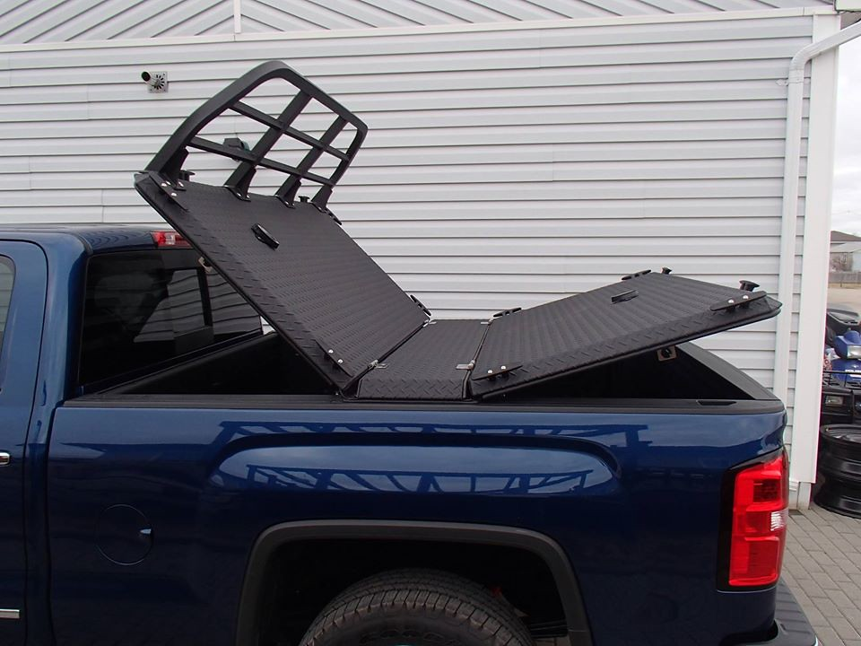 A Heavy Duty Truck Bed Cover On A Chevy Gmc Silverado Sier
