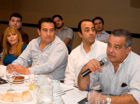 Representantes de los Grupos de Interés en Mesa de Diálogo