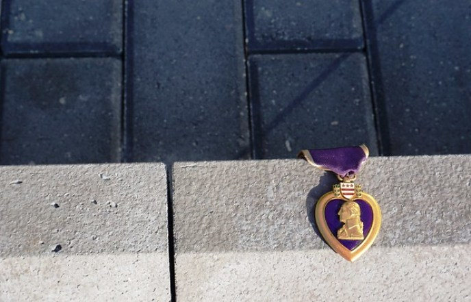 VA Purple Heart Left at the Vietnam Wall of Southwest Florida, Punta Gorda, Fla., Nov. 5, 2016