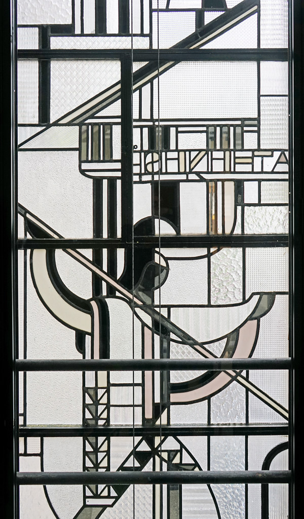 Le vitrail de faade de Louis Barillet muse Mendjisky P  Flickr