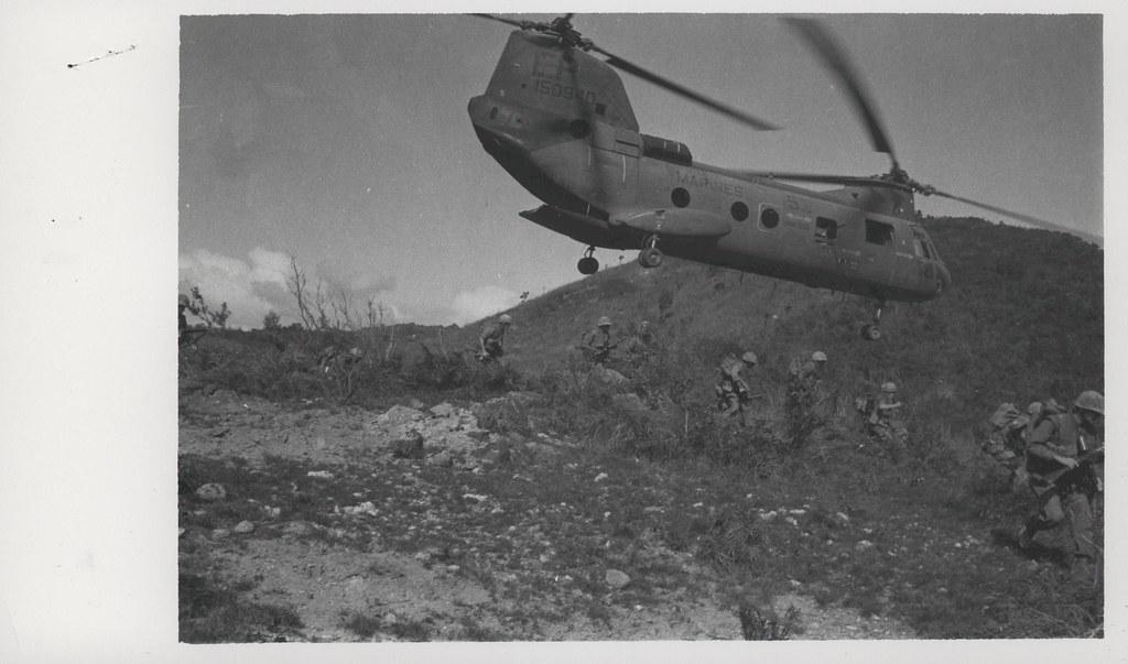 CH46 Sea Knight Helicopter Offloads Infantrymen 24 Febru  Flickr