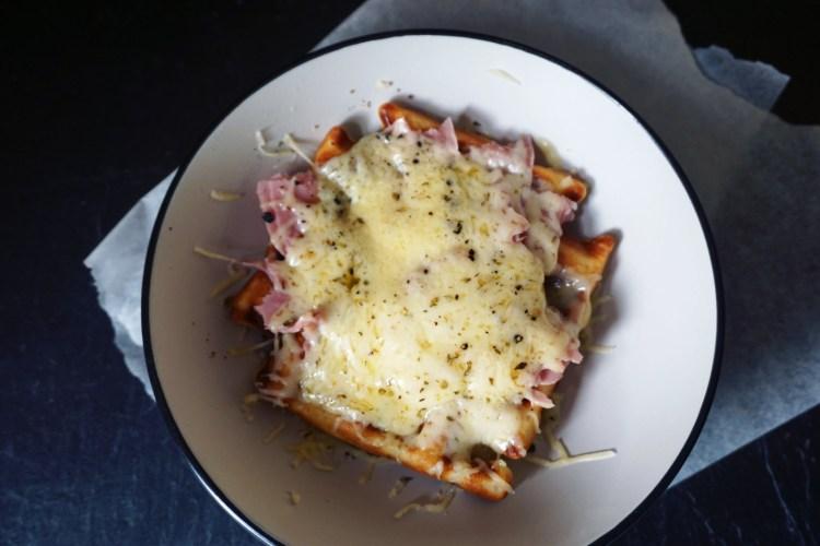 Fluffy crispy gluten free waffles - www.kimieatsglutenfree.com