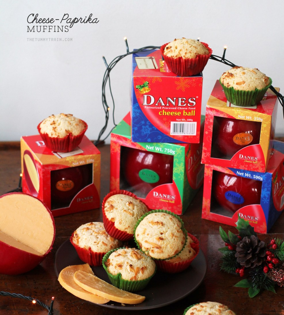 Christmas Cheese Ball.Cheese Paprika Muffins