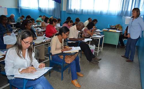 Modelo de clase presencial en el bahillerato tradiciona.