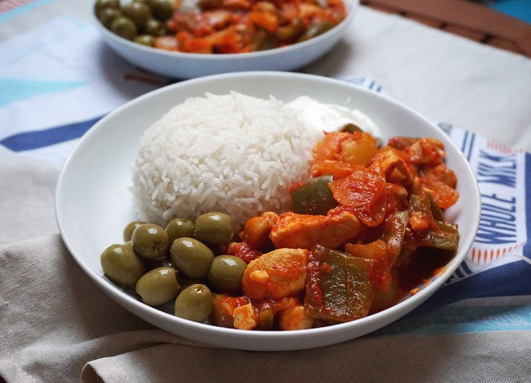 Turkish chicken tava with rice and olives
