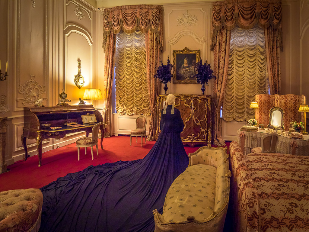 Queen Victorias Bedroom Waddesdon Manor  Reminiscent of
