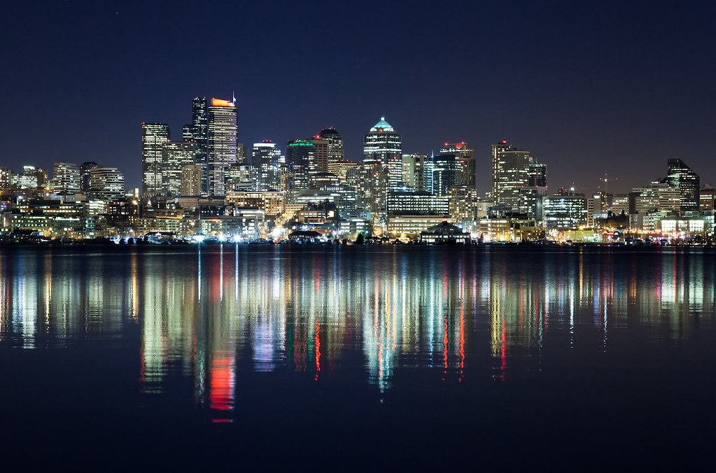Seattle Skyline over Lake Union  2 second exposure because   Flickr