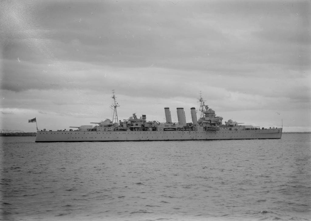 COMPENDIUM 75 Photostream images of HMAS SHROPSHIRE Part
