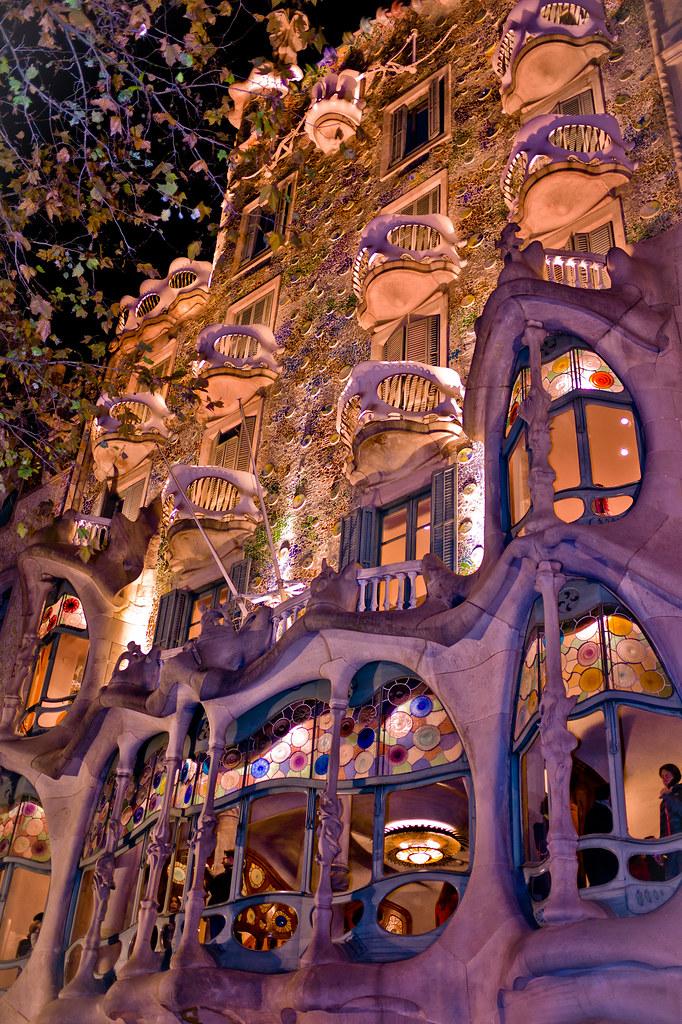 Casa Batll  Casa Batll is a key feature in the architectu  Flickr