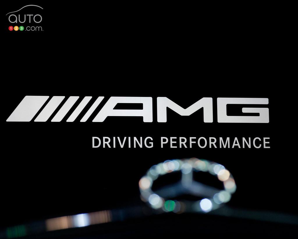 R Letter 3d Wallpaper Mercedes Benz Amg Logo Download This Wallpaper In