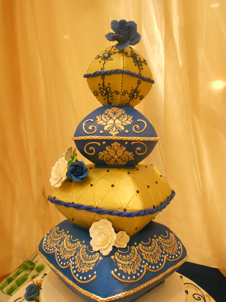 Gold  Blue Wedding cake pillows 1003  Blue and gold