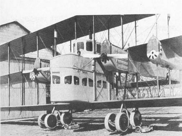 Caproni Ca58 Triplane  Source  kitchenerlord  Flickr