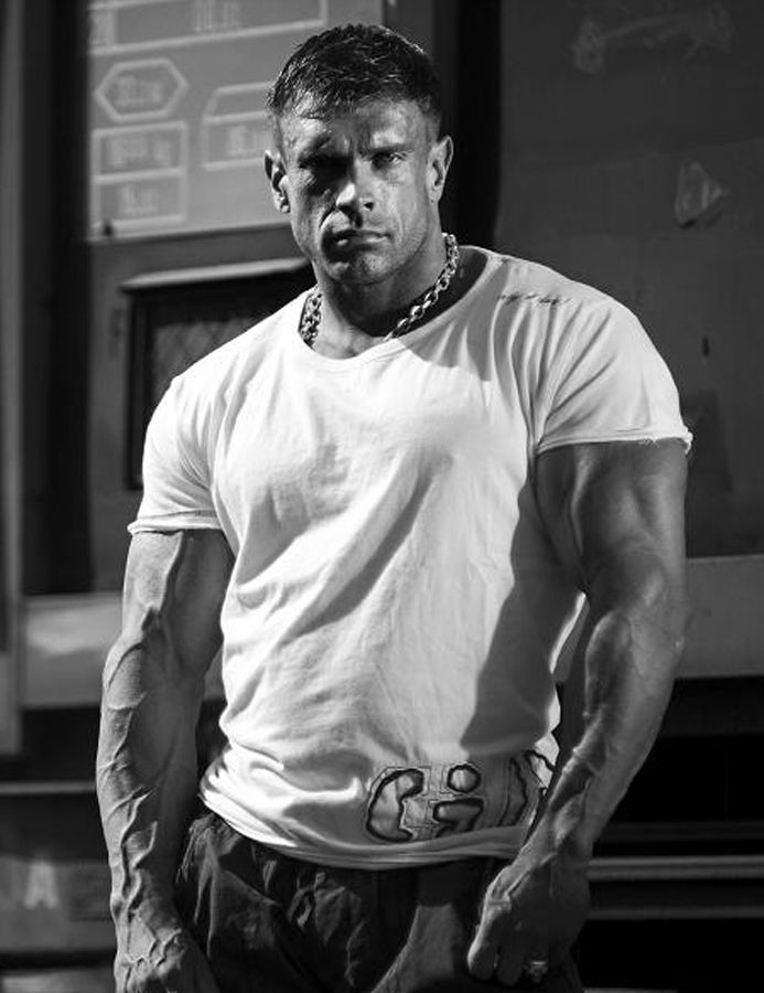 Muscular Hunk With Vascular Arms In Tight White Tee Shirt