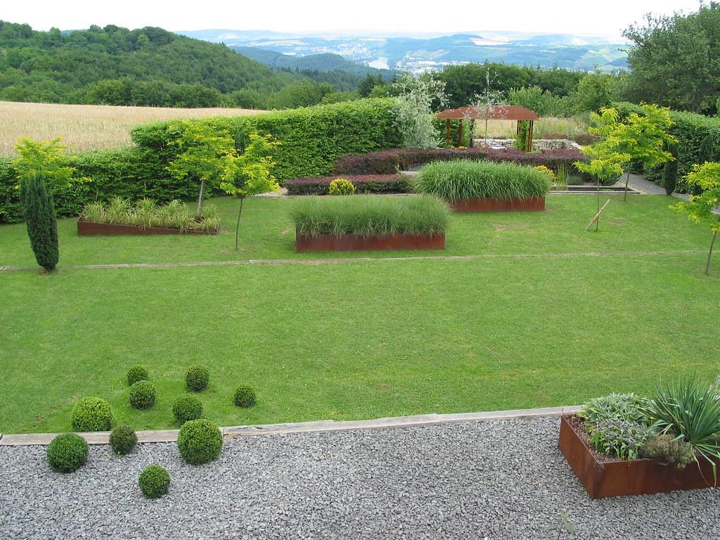 Moderner Garten mit Perspektive  wwwjoergkasparicom