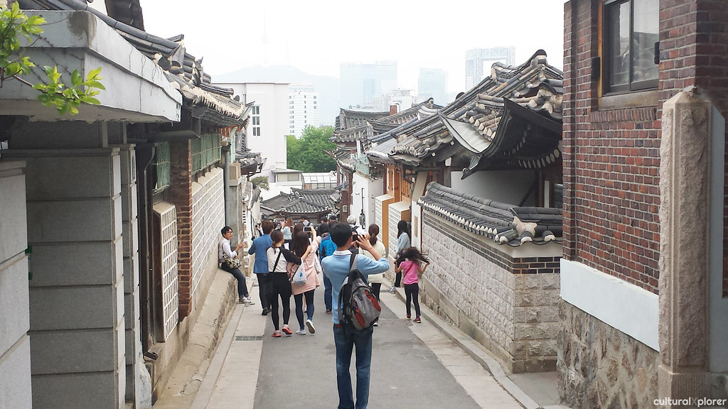 Bukchon crowds