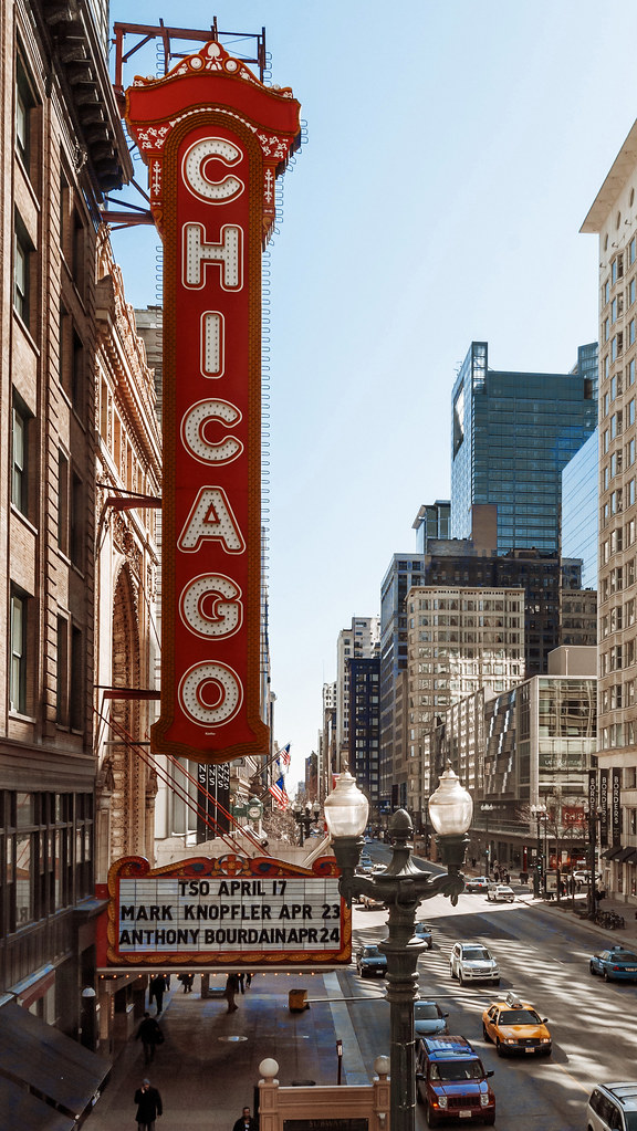 vertical sign Chicago Theatre 1921 175 North State Str  Flickr