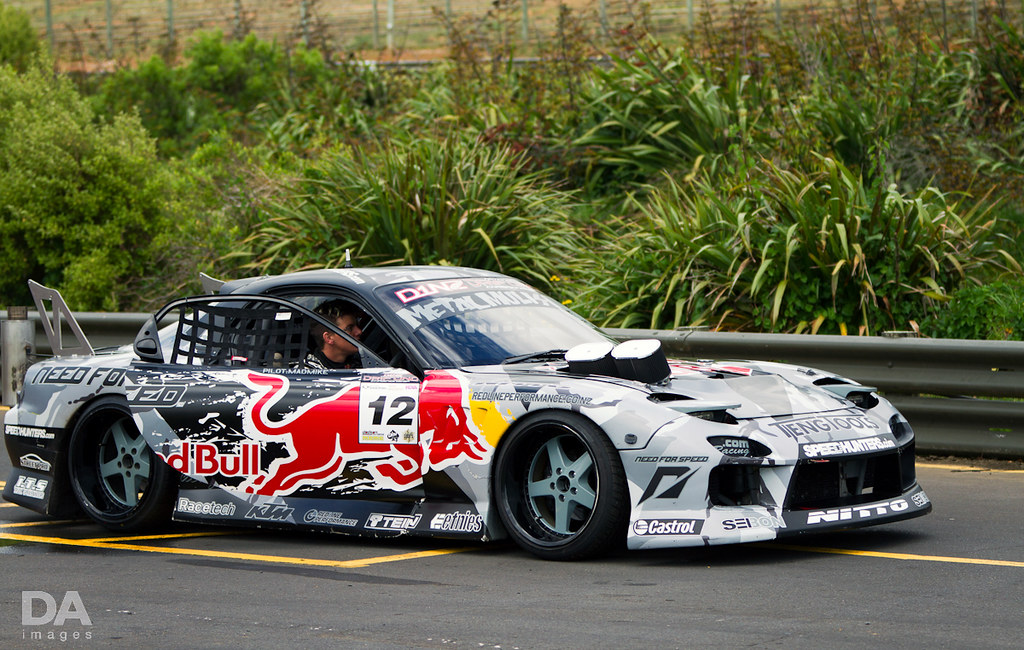 Mad Mike Whiddett RX7 Taken At Round 2 Of D1NZ 2011