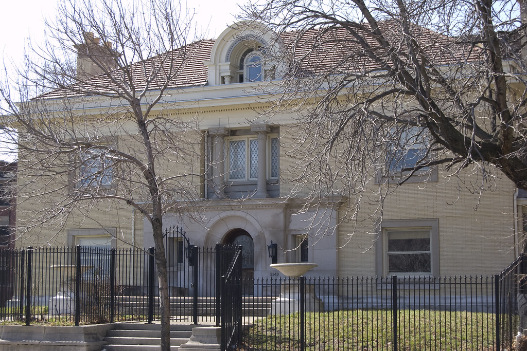 Colvin House 5940 N Sheridan Rd Built In 1909 This