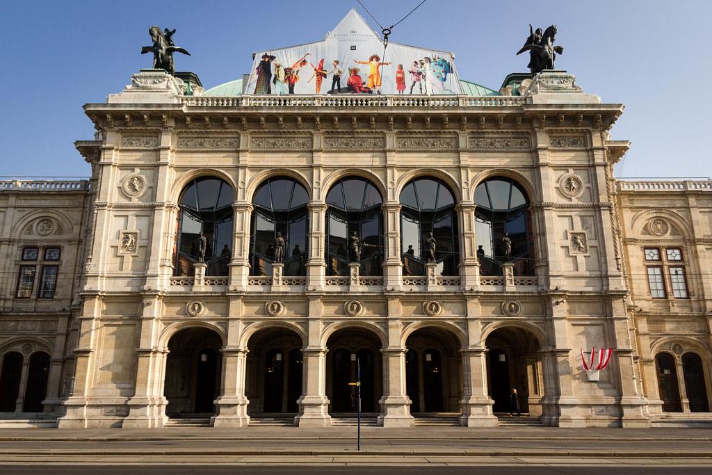 Wiener Staatsoper Vienna Austria  EOS 60DSigma 17