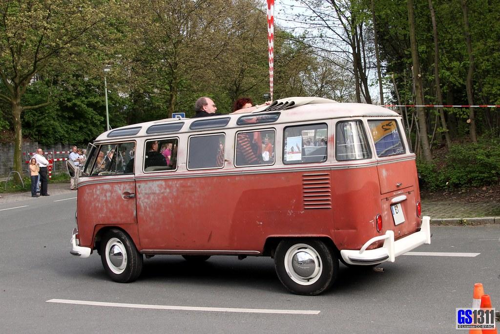 S Name 3d Wallpaper 1951 1967 Volkswagen T1 Samba Bus The Volkswagen