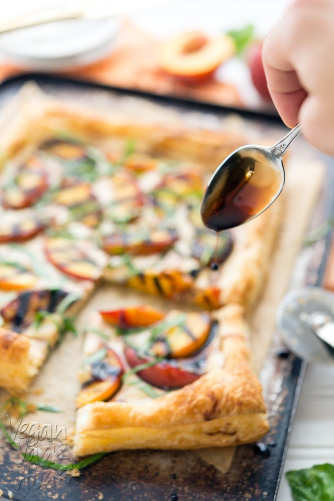 Grilled Peaches and Cream Pastry - Delicious, easy, and perfect for summer! #dairyfree #vegan